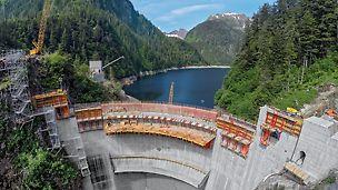 Přehrada Blue Lake: Zvýšení přehrady u Blue Lake zajišťuje obyvatelům Sitky na Aljašce soběstačné zásobování energií.