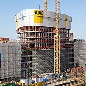 ADAC-ova centrala, München, Njemačka - Prilikom izgradnje nove ADAC-ove centrale PERI daje podršku Züblinovom gradilišnom timu svojim učinkovitim rješenjima oplate i skele te kompetentnim uslugama.