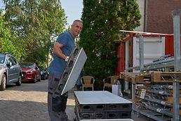 Les panneaux DUO sont faciles à déplacer en raison de leur légèreté.