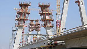 Zdjęcie: Bezpieczne i wydajne formowanie pylonów mostu na Wiśle MD7 w ciągu Trasy Nowohuckiej