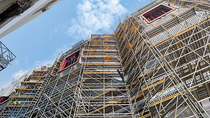 W przypadku budowy elektrowni w Eemshaven system rusztowań przemysłowych PERI UP wyraźnie wykazał się swoją elastycznością i łatwością dostosowywania się. lity.