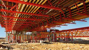 Specjalny wariant deskowania VARIO skraca czas pracy rusztowań na budowie