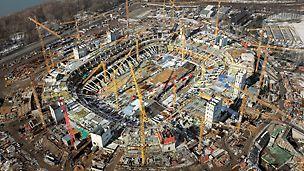 Národní stadion Varšava: Komplexní stavební záměr s velkými nároky na kvalitu vyžadoval zkušený tým stavařů a velmi úzkou spolupráci techniků PERI přímo na stavbě.