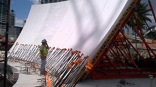 VARIO Schalungen mit einer Glasfaserschalhaut auf einer VARIOKIT-Konstruktion