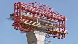 Viaduto Transrhumel - Estrutura e cofragem de Abas de Tabuleiro na Aduela do Pilar P1