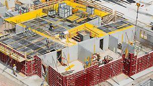Helyszíni betonozás esetén a zsaluhéjak különösen nagy igénybevételnek vannak kitéve.
