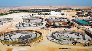Pogon za prečišćavanje otpadnih voda As Samra, Jordan - zahvaljujući primenjenim PERI sistemima oplata i skela omogućena je ekonomična realizacija svih radova na gradilištu, uprkos kratkom roku izgradnje. Rešenje koje su izradili PERI inženjeri, u saradnji sa upavom gradilišta, kao i stručna podrška tokom izvođenja radova, doprilneli su efikasnoj i nesmetanoj izgradnji.