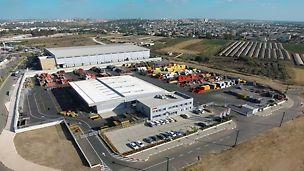 מרכז פרי ישראל ממוקם באזור תעשיה לב הארץ הסמוך לראש העין. לחברה מערך ניהולי, הנדסי ולוגיסטי המבטיח שרות ושרשרת הספקה מהירים ויעילים.