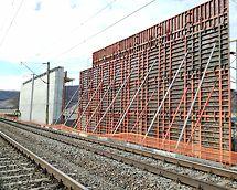 Cofraj TRIO și schela PERI UP pentru susținere cofraj monolitizare grinzi prefabricate
