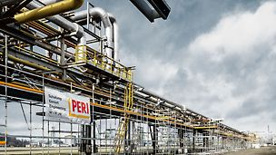 Pipeline Installation InfraLeuna GmbH, Leuna, Germany - During the construction of the 1.8 kilometer long pipeline the industrial scaffold system PERI UP Flex proved to be suitable for every structure without creating collisions.