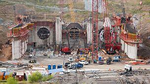 Wasserkraftwerk Smithland - Das Wasserkraftwerk Smithland wird mit 3 Turbinen ausgestattet, aufgrund der äußerst knapp bemessenen Bauzeit sind alle drei Röhren mit stetig veränderlichem Querschnitt parallel zu errichten.