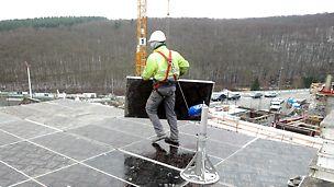 """Ab sofort ist die Anschlageinrichtung """"SKY-Anker"""" nach EN 795:2012 Typ B mit CE – Baumuster-Zertifizierung in Kauf und Miete verfügbar. Der SKY-Anker dient als Anschlagpunkt für eine Person, mit Persönlicher Schutzausrüstung gegen Absturz (PSAgA). Je nach Betriebsanweisung wird ein Anschlagpunkt beim Aufstellen der Deckenschalung SKYDECK benötigt. Der SKY-Anker ist wie jedes Bauteil der SKDECK von einer Person händisch versetzbar."""