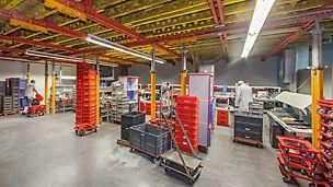 Wand- und Deckenschalung von PERI im Einsatz für die Hallenerweiterung des Versand- und Servicecenters Otto Ganter GmbH & Co. KG in Furtwangen, die die weitere Nutzung der Halle nicht beeinträchtigten.