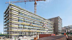 PERI UP Rahmengerüst T 72 / T 104: Das PERI UP Fassadengerüst mit dem T-Rahmen hilft bei der sicheren Erstellung von Arbeitsgerüsten.
