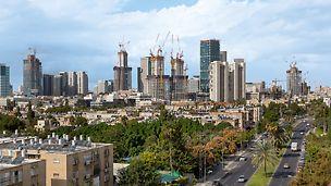 """Alon Towers """"BSR Center TLV"""": Pohled na několik výškových budov v Tel Avivu realizovaných díky šplhavé technice PERI."""