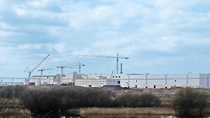 Palm paper mill, King's Lynn, Great Britain - Only 7 months after beginning the excavation and foundation work, the topping-out ceremony took place; 8 months later, production started in August 2009.