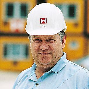 Oberpolier für den Bau des neuen Zollhofs in Düsseldorf