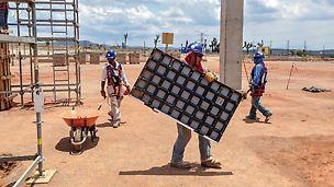 DUO es un verdadero encofrado manual: El panel más grande tiene 90 cm x 135 cm, pesa menos de 25 kg y puede trasladarse sin problemas a mano.