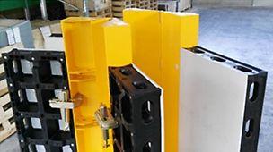 Zum Schalen von spitzen und stumpfen Ecken mit der Verbundschalung DUO ist ab sofort der LIWA Adapter DUO im Kauf verfügbar. Der LIWA Adapter DUO wird zusammen mit der Gelenkecke LIWA 150 und dem Keilschloss Ausgleich LIWA eingesetzt. Je Keilschlossverbindung ist ein Adapter notwendig. Eingestellt werden können Winkelmaße zwischen 75° und 165°. Mit dieser Erweiterung wird es möglich, weitere Geometrien mit der DUO zu schalen.