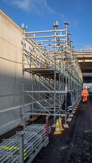 PERI UP Flex als ondersteuningssteiger voor de overkappingswerken van de nieuwe tunnel.