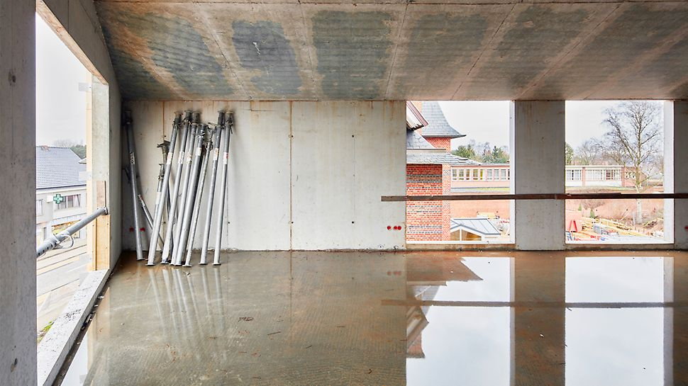 VARIODECK a servi lors du coffrage de la dalle du toit incliné (avec des portées jusqu'à près de dix mètres) à pente progressive.