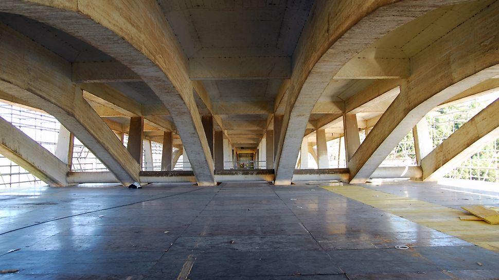 Viaduto de Sacavém sobre o Rio Trancão - Plataforma de trabalho superior