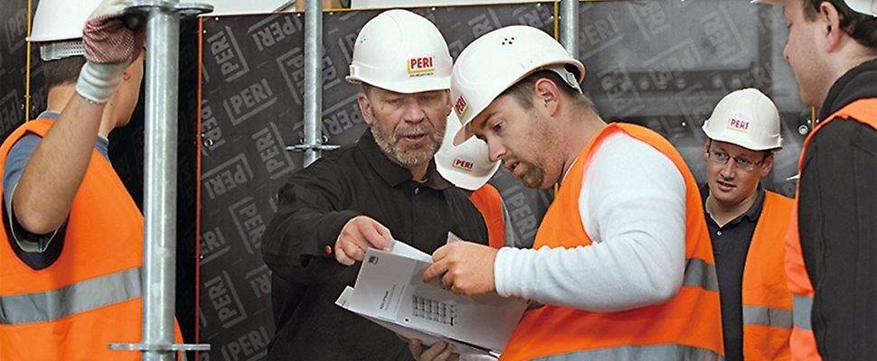 Die ständige Weiterbildung ist in jeder Berufssparte ein sehr wichtiges Thema, denn nur durch Kenntnis der sich häufig ändernden technischen und gesetzlichen Neuerungen lassen sich Projektaufgaben solide abwickeln.