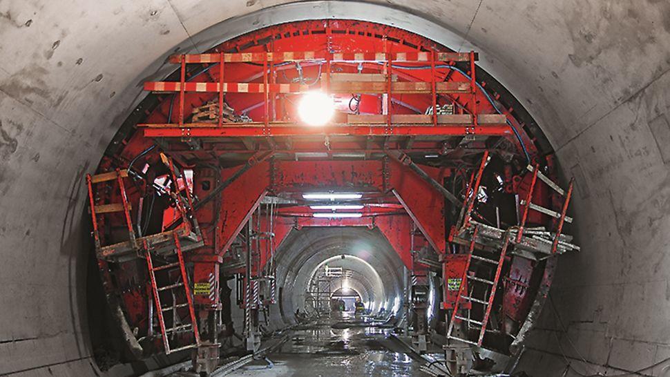 Metro de Lisboa - Prolongamento da Linha Azul, Estação da Reboleira - Molde de secção corrente