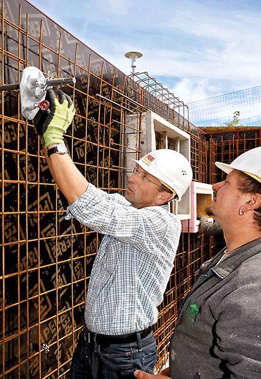Säljaren är kundens kontakt - även om det finns frågor angående användningen av utrustningen ute på arbetsplatsen.