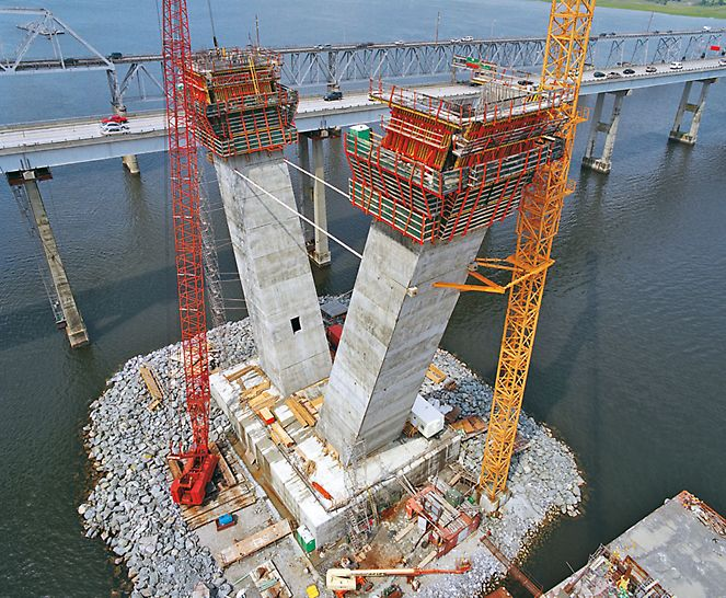 Arthur Ravenel Jr. Bridge, Charleston, USA - With the ACS self-climbing system and VARIO GT 24 girder wall formwork, the high requirements on the concrete surfaces and dimensional accuracy could be fulfilled.