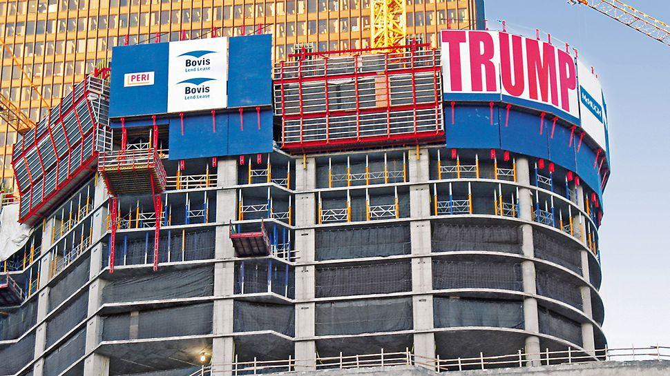 Trump International Hotel & Tower, Chicago, USA: Výsuvná ochranná stěna RCS slouží ve velkých výškách jako ochrana proti pádu a zároveň jako ochrana před silným větrem.