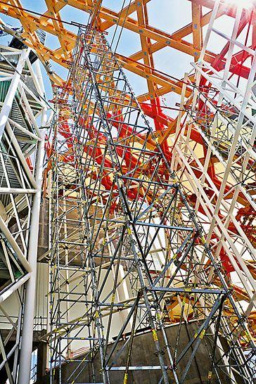 Centrum Pompidou: Flexibilní přizpůsobení podpěrné konstrukce vytvořené z lešení PERI UP.