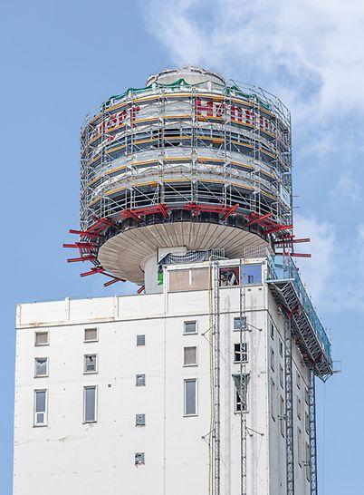 Henninger Turm, Frankfurt am Main: Projektspezifisch erarbeitete Gerüstlösung für die Abbrucharbeiten im Jahr 2013