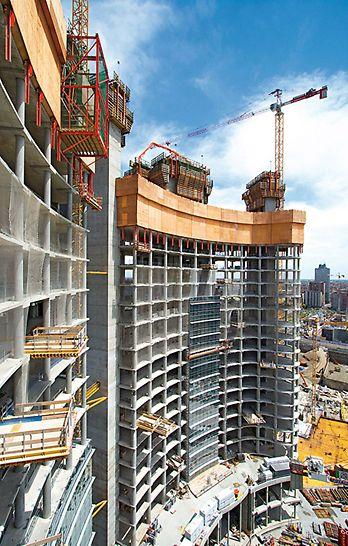 Porta Nuova Garibaldi: Ochranná šplhavá stěna RCS zajistila vysokou úrověň bezpečnosti pro pracovníky na stavbě, což postup prací značně urychlilo.