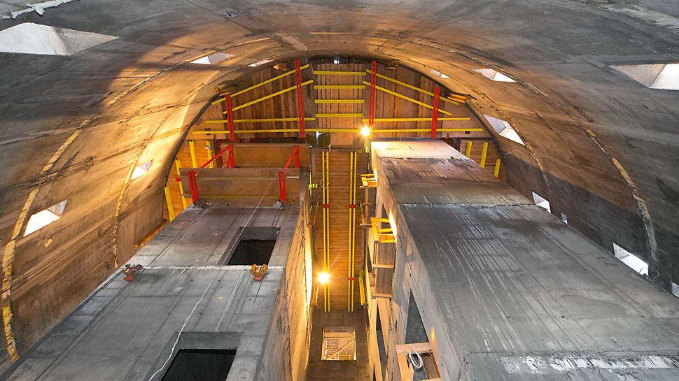 ISET Tower: Jako vnitřní bednění zdí kruhového jádra byla použita kombinace samošplhavých systémů ASC G a ASC P, které se optimálně přizpůsobily tvaru konstrukce.