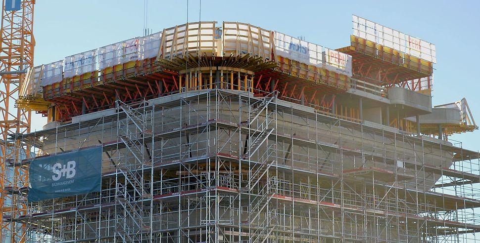 Decke über der Gebäudeaufweitung