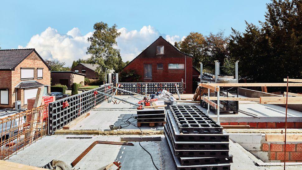 Vadribo particuliere woning in Stekene: De lichte panelen van DUO zijn gemakkelijk te hanteren op de werf. Dat zorgt voor een aanzienlijke tijdwinst en werkt dus ook kostenbesparend.