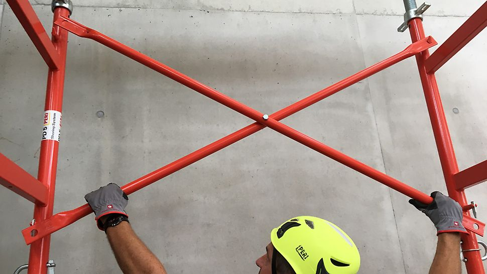 Clevere Details und das geringe Gewicht der Bauteile sorgen für einen sicheren Auf- und Abbauprozess.