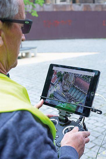 Drona Moselcopter GmbH permite secvențe de imagini din diverse perspective - și, prin urmare, înregistrează structuri bisericești complexe.