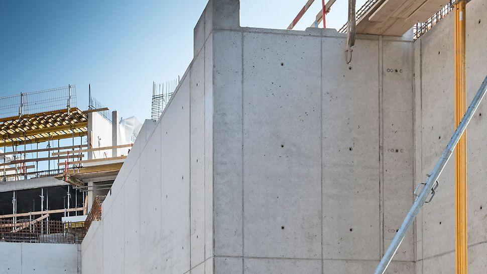 Regularny układ połączeń oraz otworów po ściągach deskowania MAXIMO dla ścian widokowych sali balowej