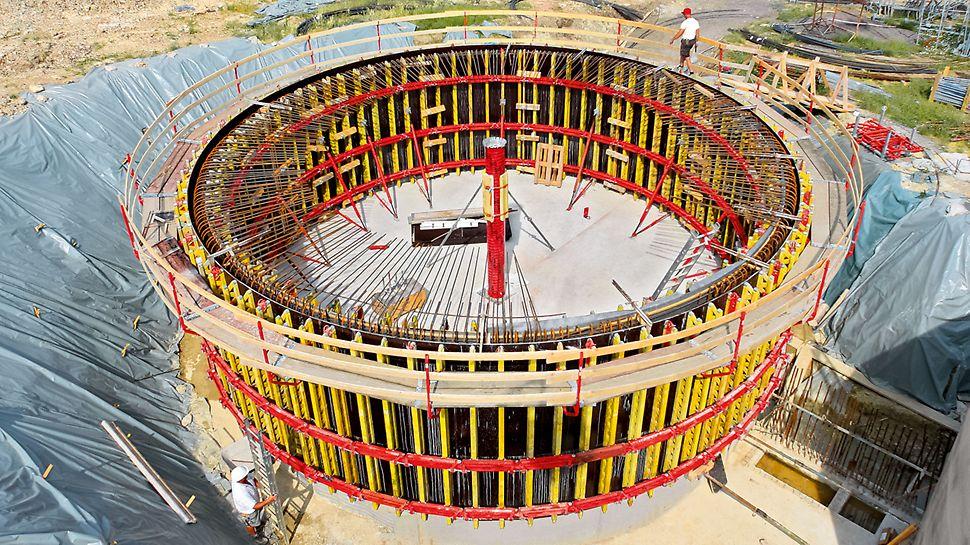 W przypadku dużych promieni deskowanie łukowe GRV stanowi szczególnie opłacalne rozwiązanie, gdy betonowanych jest kilka takich samych budowli okrągłych po sobie.