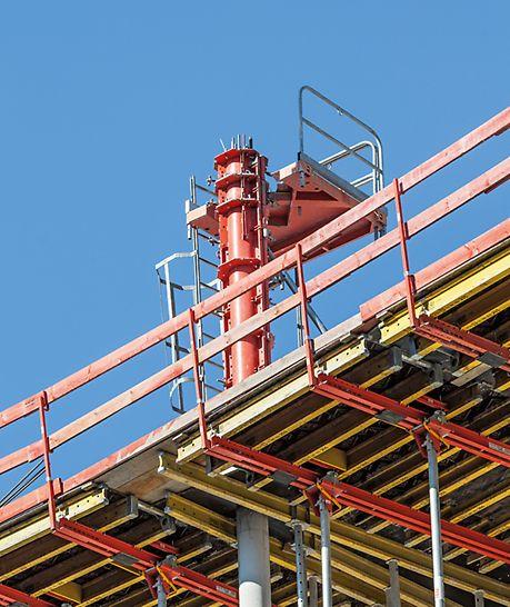 Beispiel für Sicherheitsstandards bei Baustellen mit PERI Schalung- und Gerüstlösungen.