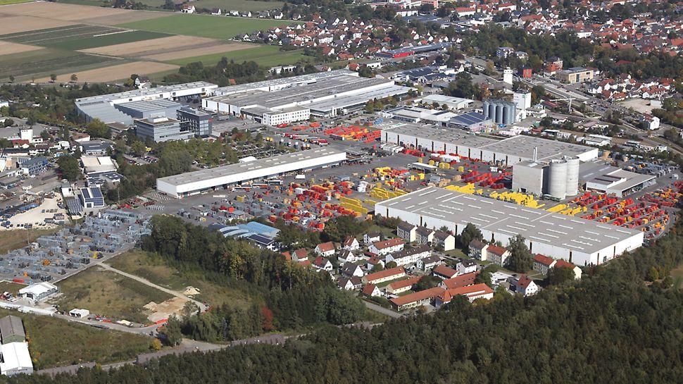 Luftbildaufnahme der PERI Zentrale. Der PERI Standort Weißenhorn südlich von Ulm ist seit Unternehmensgründung im Jahr 1969 zentraler Produktionsstandort des Unternehmens