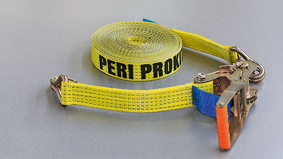 The Tension Belt PTB 12 is tensioned between two supports and forms the sub-construction for the Fold Mesh PFR. The two-piece belt with a length of 12.00 m is equipped with hooks and securing straps.