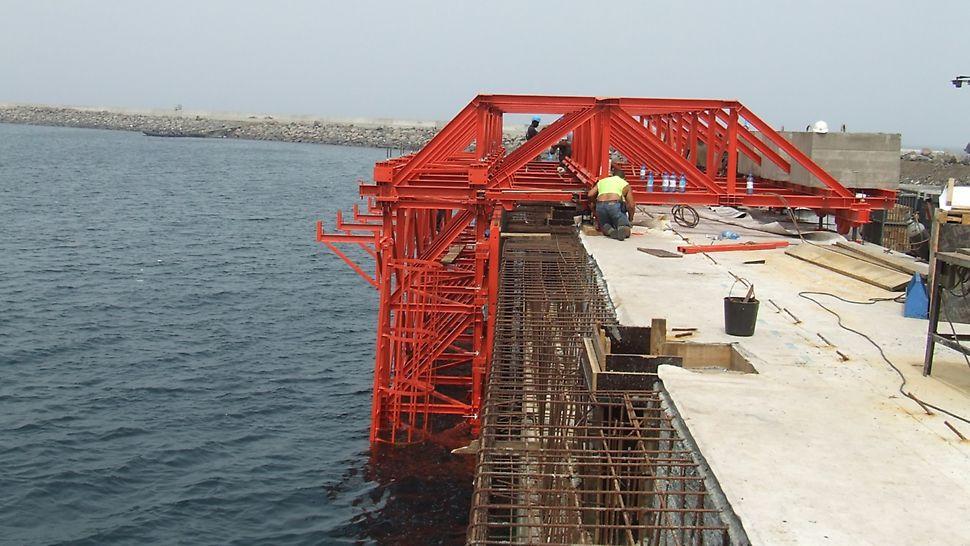Cais Maritimo de Port Malabo - Montagem completa para 1ª aplicação