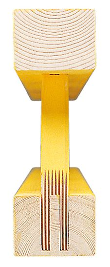 Îmbinarea prin chertare și încleiere a nodurilor grinzii garantează durabilitatea grinzii cu zăbrele GT 24.