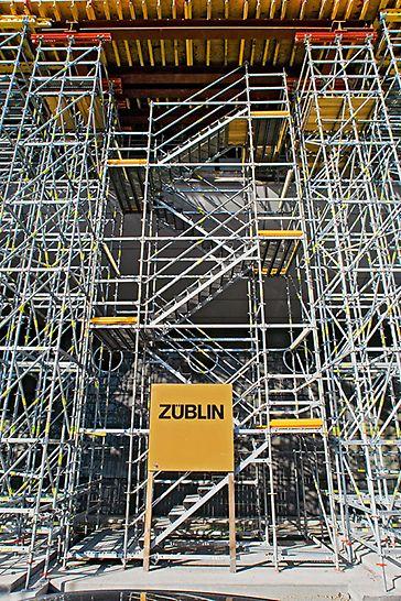 The Squaire, Frankfurt am Main, Njemačka - PERI UP nosive skele i industrijska stepeništa osiguravaju siguran i jednostavan pristup svim područjima.