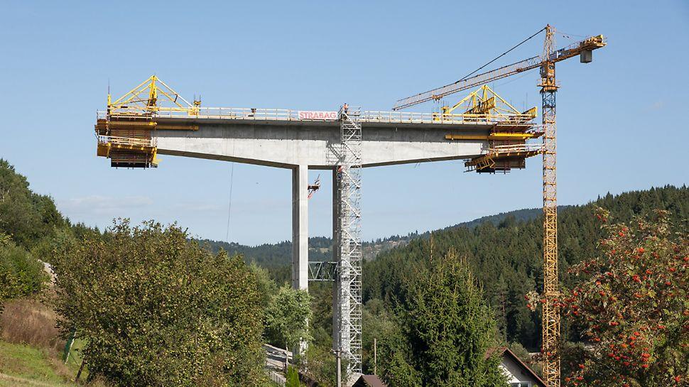 Most Markov, Slovensko: Postupující letmá betonáž.