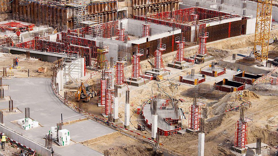 Národní stadion Varšava: Rozsáhle řešené bednění PERI: pro základy, stěny i sloupy, včetně požadovaných schodišťových přístupů.