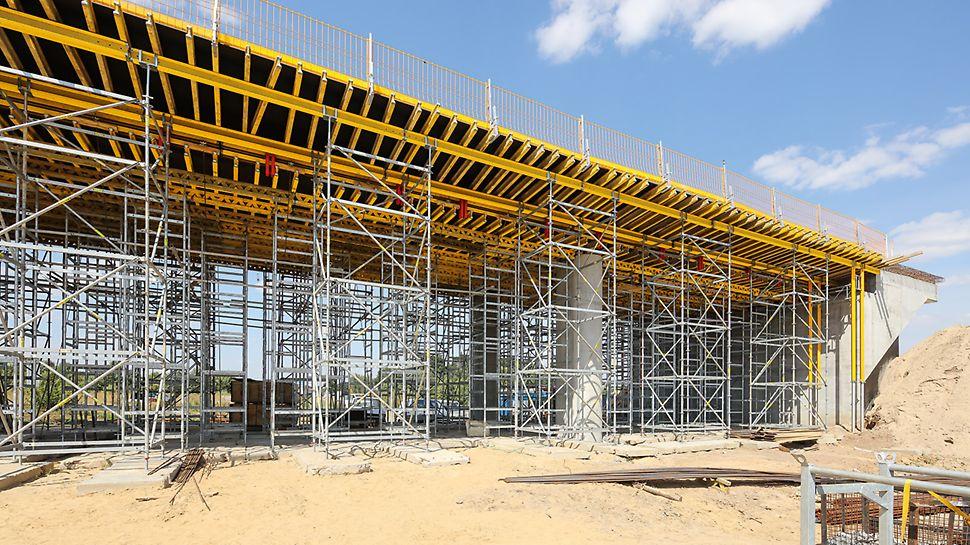 Amplia compatibilidad gracias a que se ajusta de modo óptimo tanto a los sistemas de encofrados para losas PERI, como también a las medidas convencionales de perfiles de acero y madera